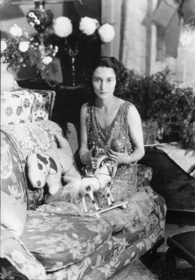 Actress posing in