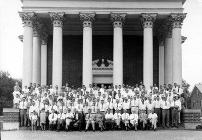 Group photograph on steps of Memorial Hall, Poultry Science Association