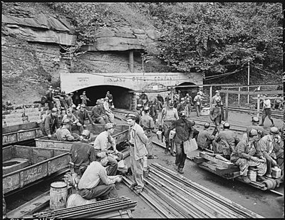 Changing shifts at the mine portal in the afternoon.  Wheelwright, Floyd County, KY. 9/23/46