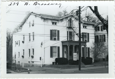 239 North Broadway, left side view, duplicate. Built for Thomas K. Layton in 1839 then purchased by Allen H. Clark in 1842, then Robert B. Hamilton in 1852