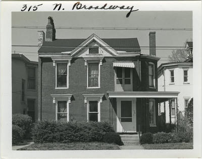 315 North Broadway, close front view. Built by John Holmes for Josiah Ennis about 1838