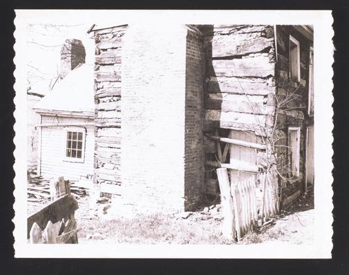 Log house in Washington, Kentucky. Photo by Mrs. Andrew C. Duke