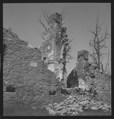 Ruins of stone house at Keene, Kentucky in Jessamine County