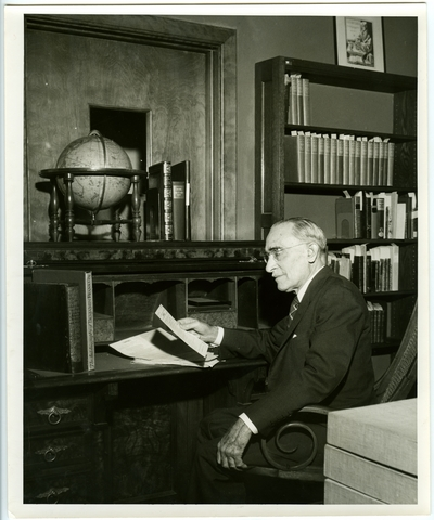 Chauncey Hawley Griffith in King Library, Univeristy of Kentucky