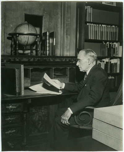 Chauncey Hawley Griffith in King Library, University of Kentucky