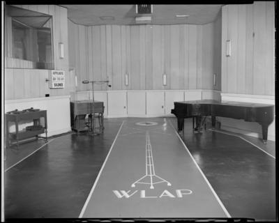 WLAP radio station, 121 Walnut; interior, recording/broadcasting                             studio