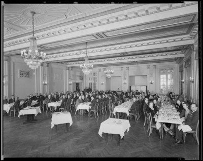 Kentucky Mining Institute; Lafayette Hotel, interior; Banquet;                             members gathered at banquet tables