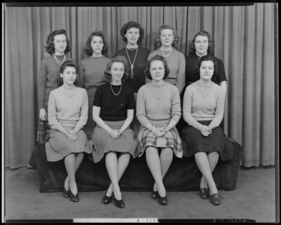 Sorority, Transylvania (College) Crimson; group                             portrait