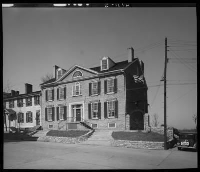 Duncan Tavern (323 High Street, Paris, Kentucky);                             exterior