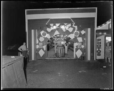 Joyland Park ; entrance to arcade