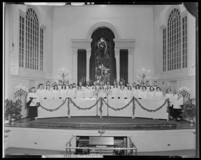 Choristers (1944 Kentuckian) (University of Kentucky); group on                             stage at Memorial Hall