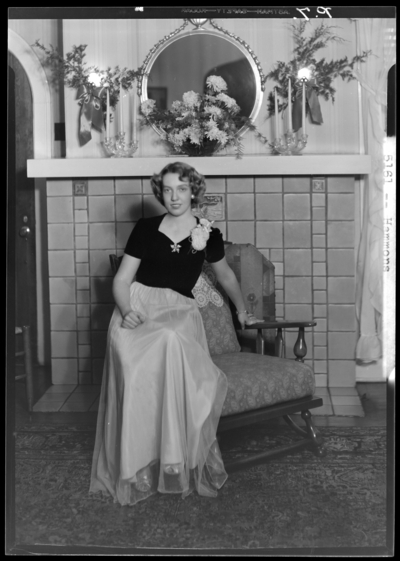 Mrs. R.B. Batson ; pictures of Rev. & Mrs. J. H. Hammons                             anniversary; woman sitting in chair
