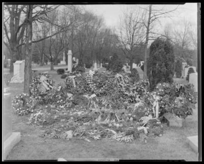 Thad Wagoner; grave