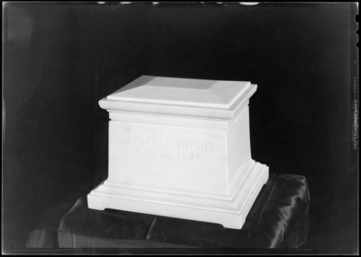 Alfred Wright; corpse; ashes; casket
