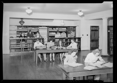Georgetown College; library; interior; students using the                             library