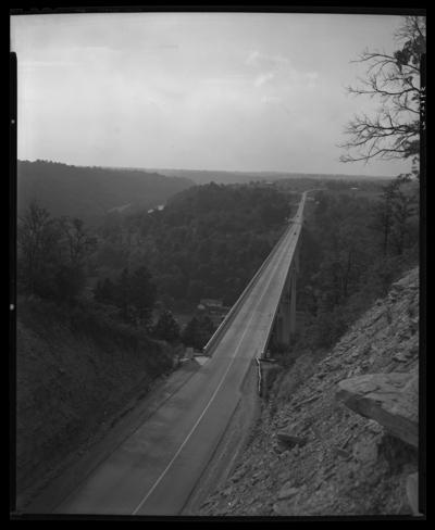 Mount Vernon Bridge Company; Clays Ferry Bridge; roadway                             view