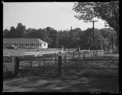 Springs Motel (Harrodsburg Pike & Lane Allen Road);                             exterior