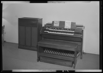Shackleton's Music Store Incorporated, 147 East Main; interior;                             electric organ